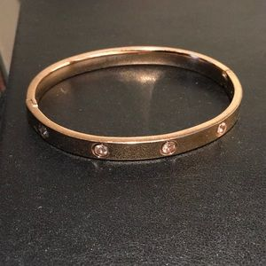 Jewelry - Stainless Steel gold bangle with faceted crystals